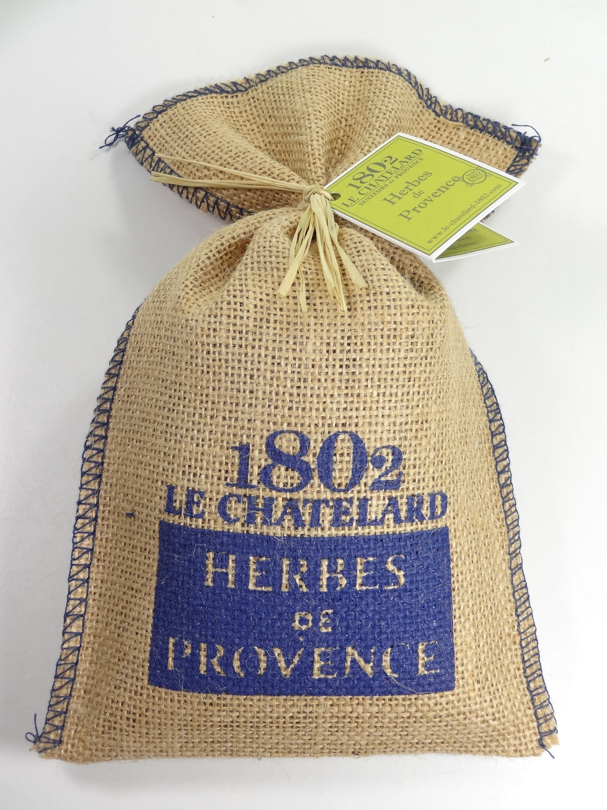 herbes de provence sachet toile de jute motif village 150g motif bleu souvenirs et id es. Black Bedroom Furniture Sets. Home Design Ideas