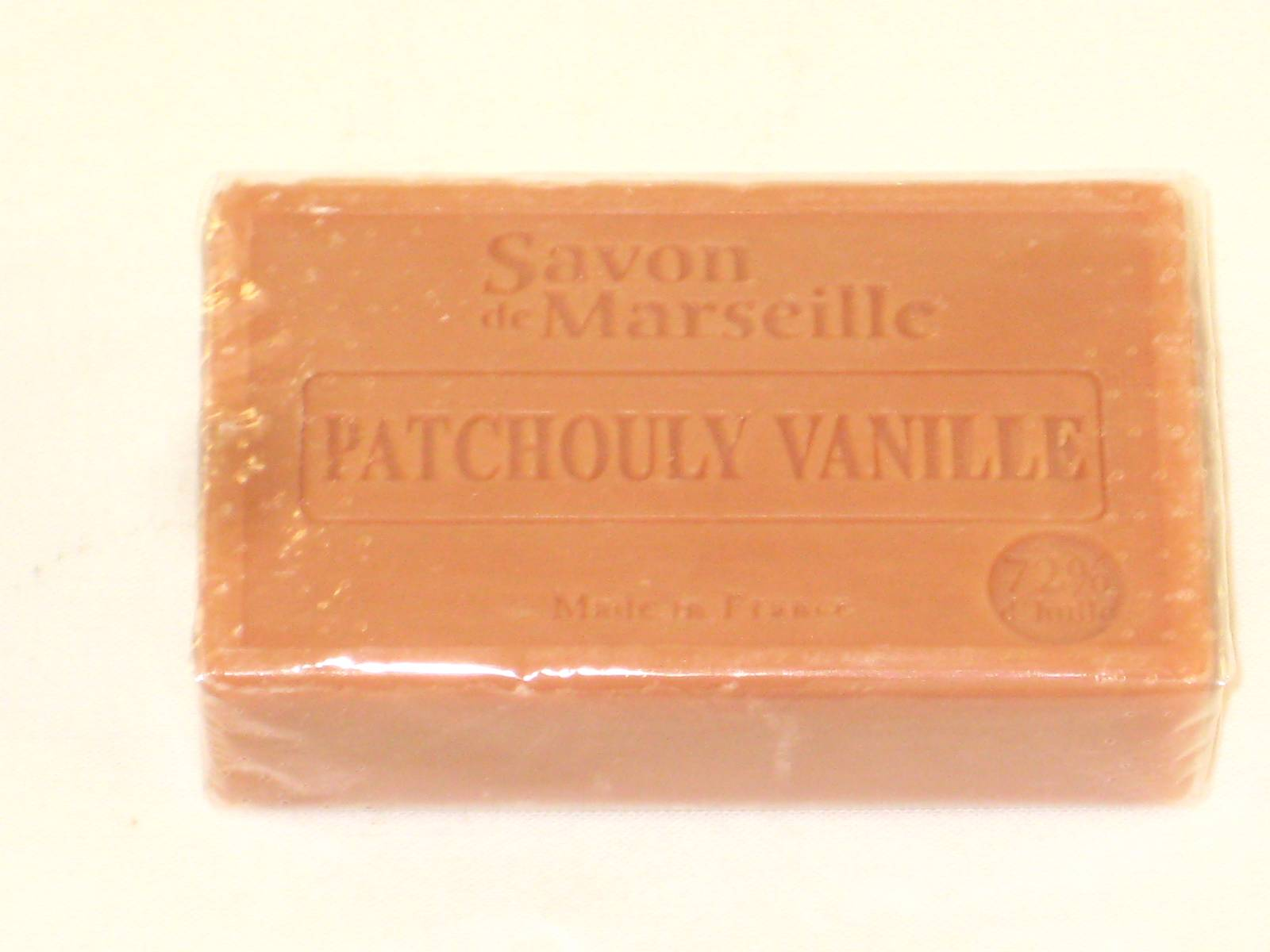 savon de marseille cellophan patchouli vanille 100g tee shirts tasses objets humour. Black Bedroom Furniture Sets. Home Design Ideas
