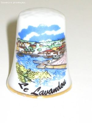 Dé à Coudre De Collection en Porcelaine Le Lavandou